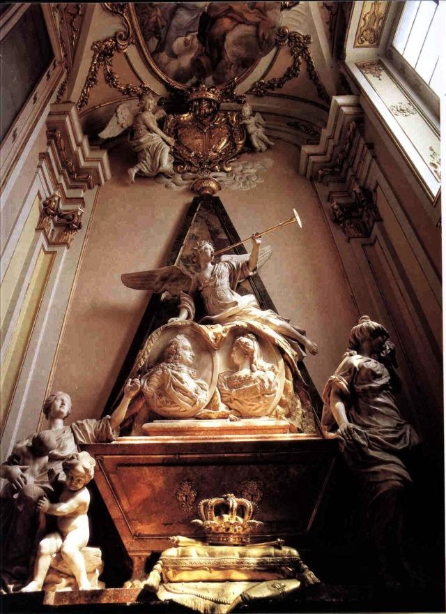 Tumba de Felipe V en la iglesia del palacio de la granja de san Ildefonso.