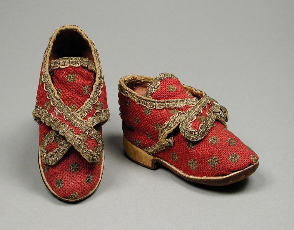 Zapatos de niño. Probablemente Francia. 1730.