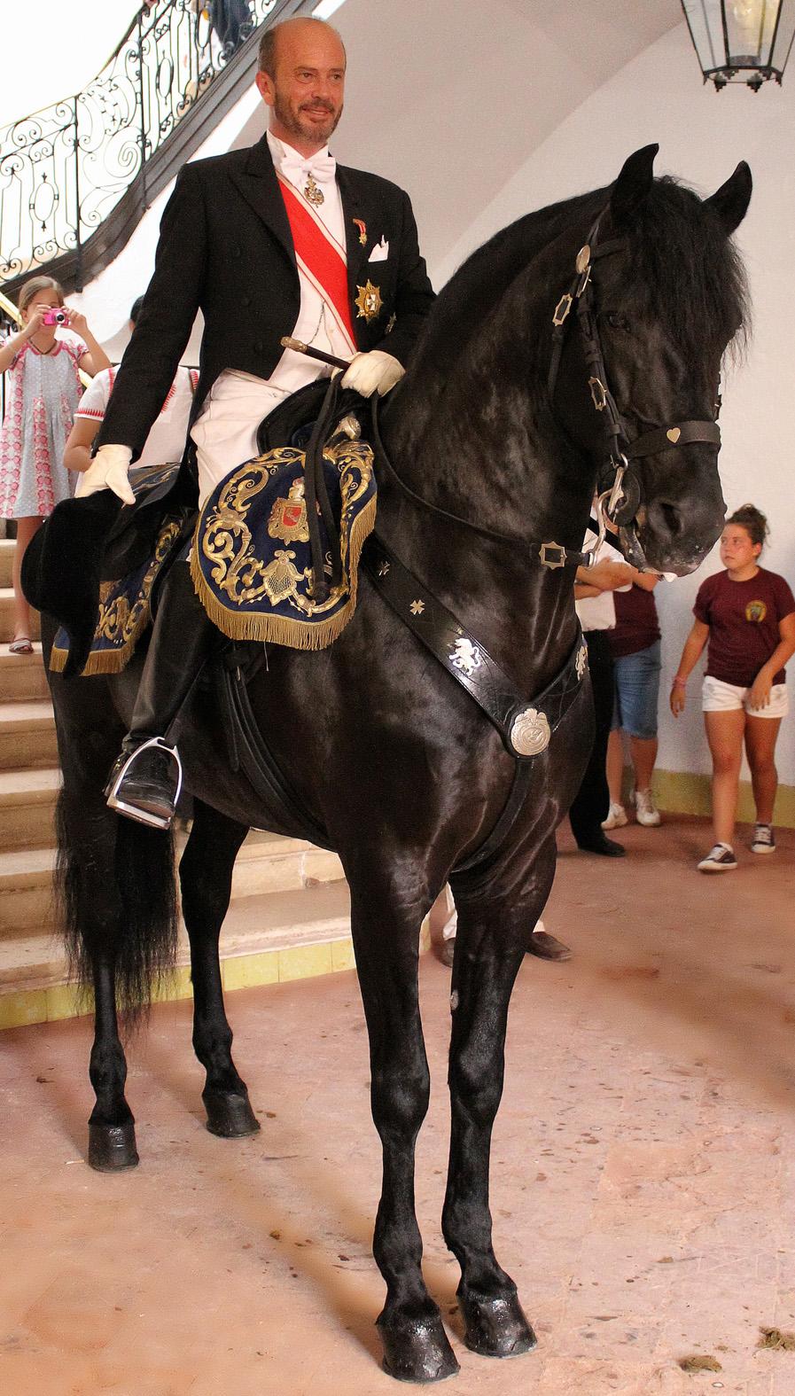 D. Luis de Olivar O´neill a caballo. Caixer Senyor. Fiestas de San Juan. Menorca 2012.