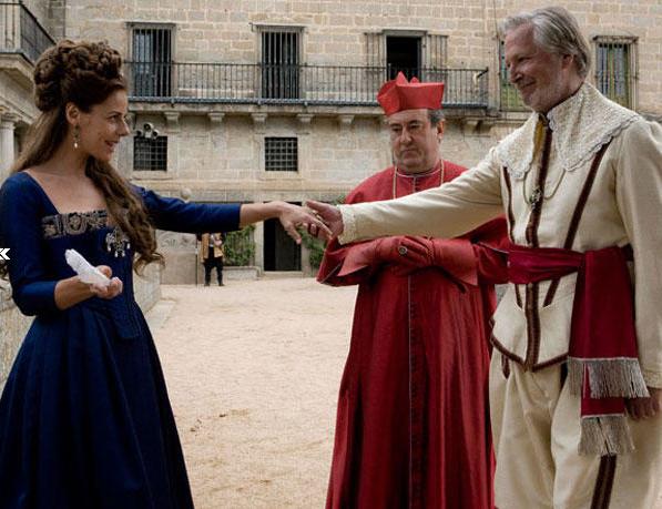 Xavier Elorriaga como Felipe IV y Miriam Gallego como la marquesa de Santillana.