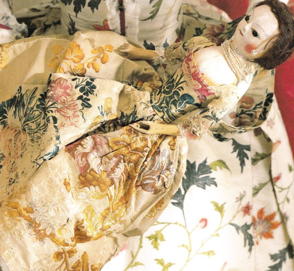 Muñecas moda siglo XVIII.
