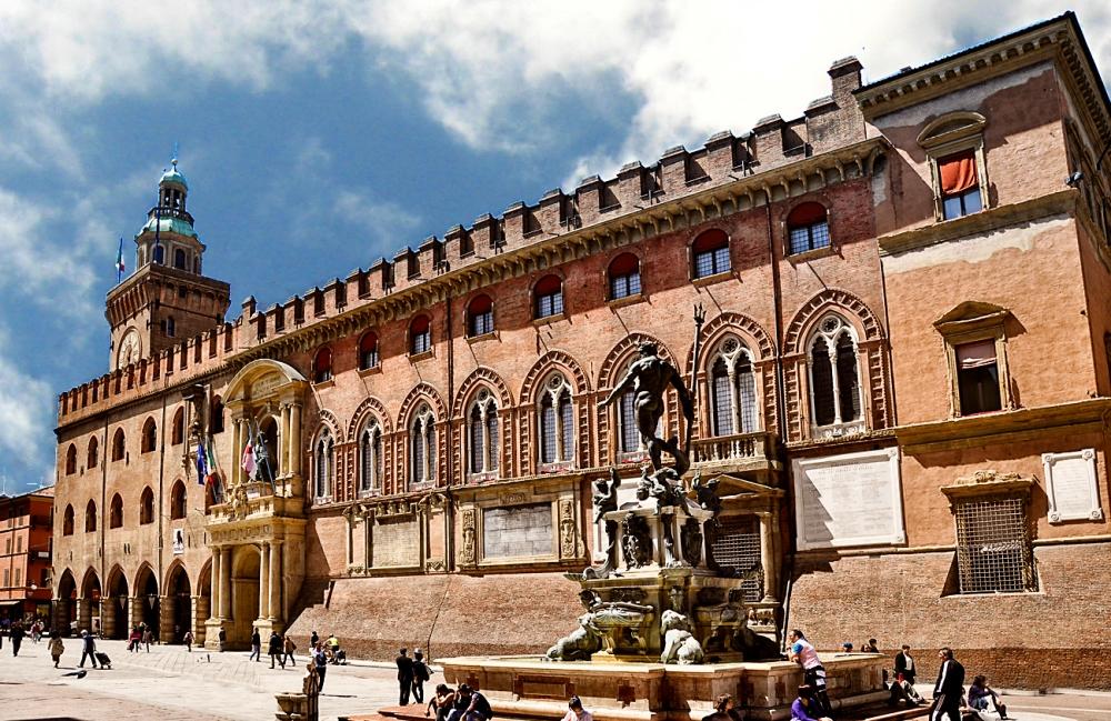 Palacio de Accursio. Bolonia. Italia.