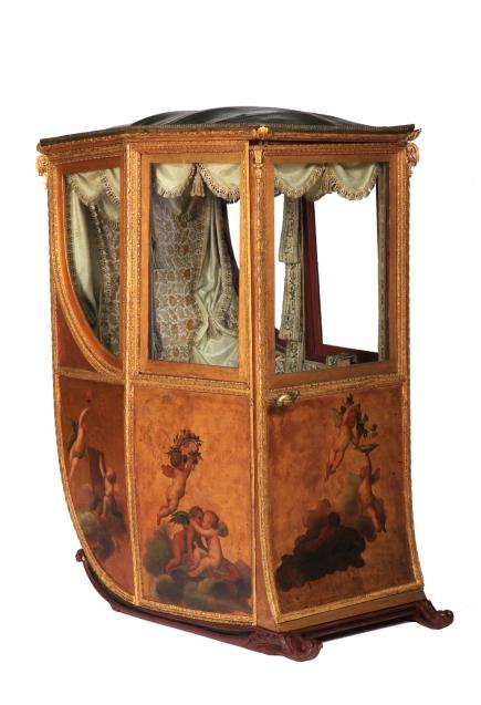 Silla de manos con pinturas alegóricas. Anónimo. Último cuarto del siglo XVIII.