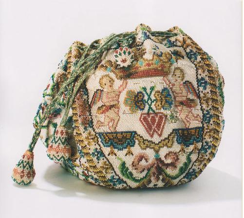 Bolso bridal bag frances. Siglo XVIII. Museo del bolso. Amsterdam.