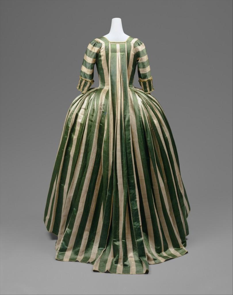 Vestido a la francesa. Inglaterra. Hacia 1770-79. Metropolitan Musemum. Nueva York.
