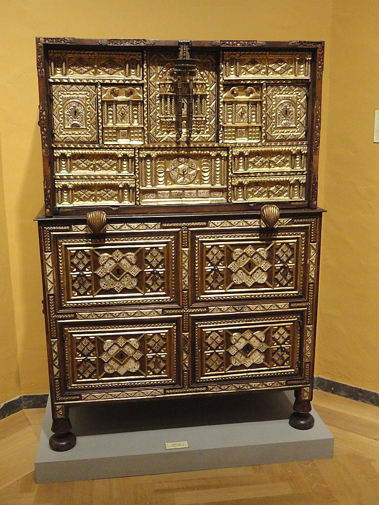 Escritorio salmantino. Siglo XVII. Museo de Bellas Artes de ...