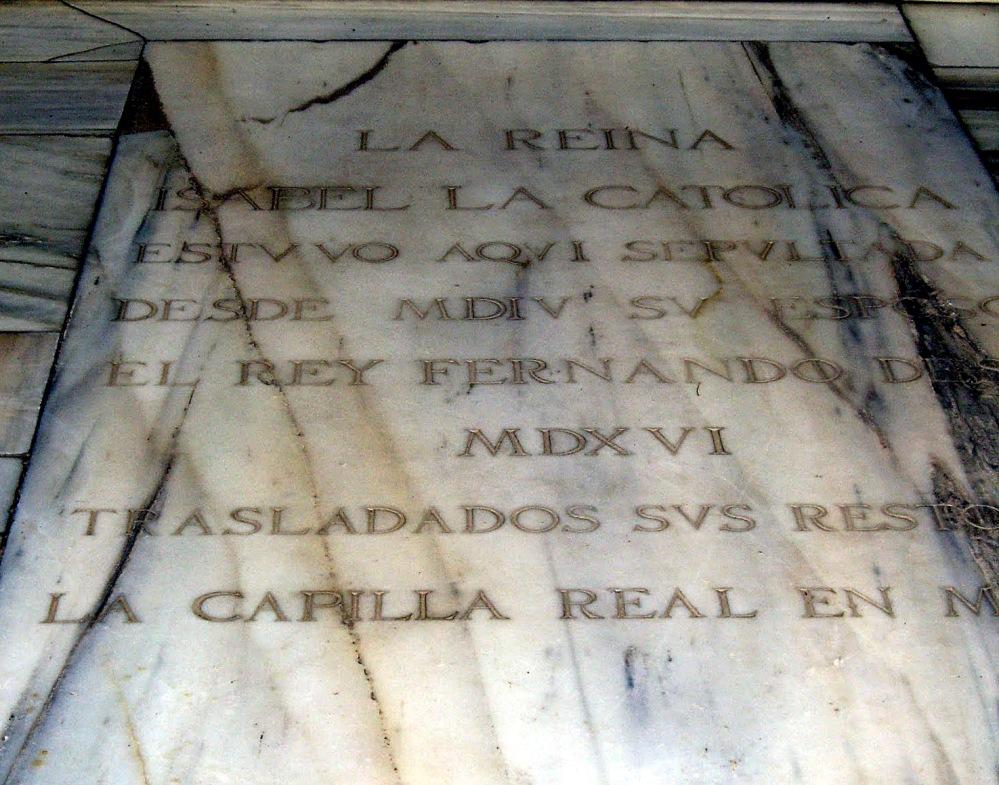 Lápida en el monasterio de San Francisco en La Alhambra de Granada.
