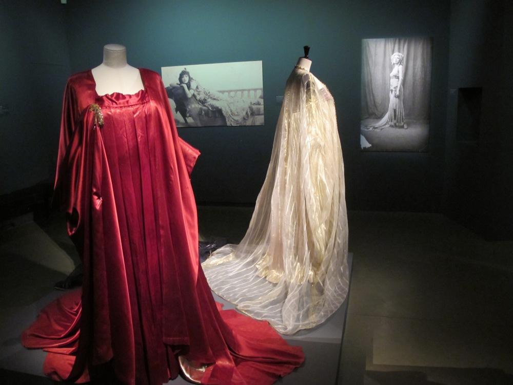 Trajes utilizados en películas y ballets sobre Cleopatra.