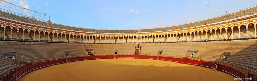 Plaza de toros de la Real Maestranza de Caballería. Vista panorámica. Sevilla.