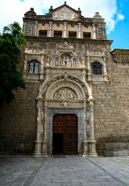 Alonso de Covarrubias. Fachada del Hospital de Santa Cruz. Toledo. Siglo XVI.