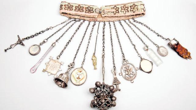 Dijero, cinturón y amuletos. Museo de Sorolla. Madrid.