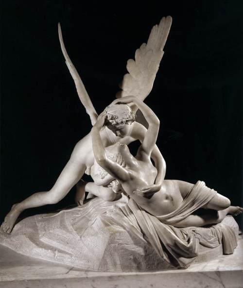 Psique reanimada por el beso del amor. Antonio Canova. 1793. Museo del Louvre. Paris.