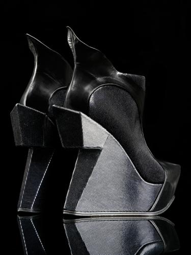 "Botas ""scotty"". Diseño de Atalanta Weller. 2010. © Victoria & Alber Museum. Londres."