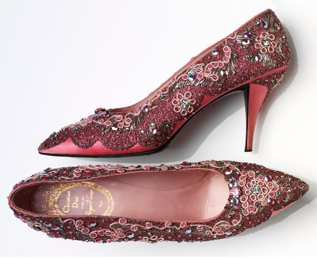 Zapatos de mujer. Roger Vivier para Christian Dior. 1958-1960. © Victoria & Alber Museum. Londres.