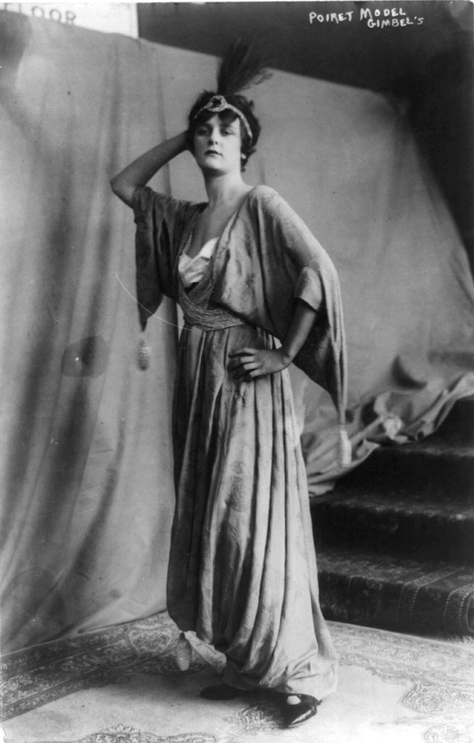 Modelo con un diseño de Paul Poiret. 1914.