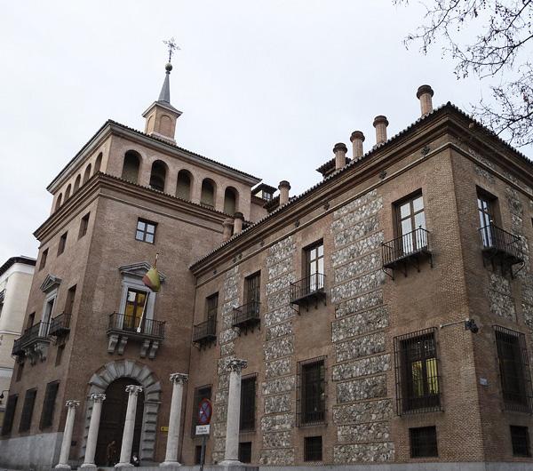 Casa de la siete chimeneas. Madrid.