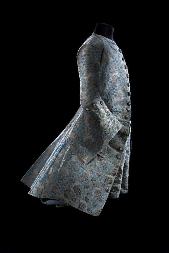 Casaca. Hacia 1730-1740. Museo de Artes Decorativas, Colección Moda y Textil. París.