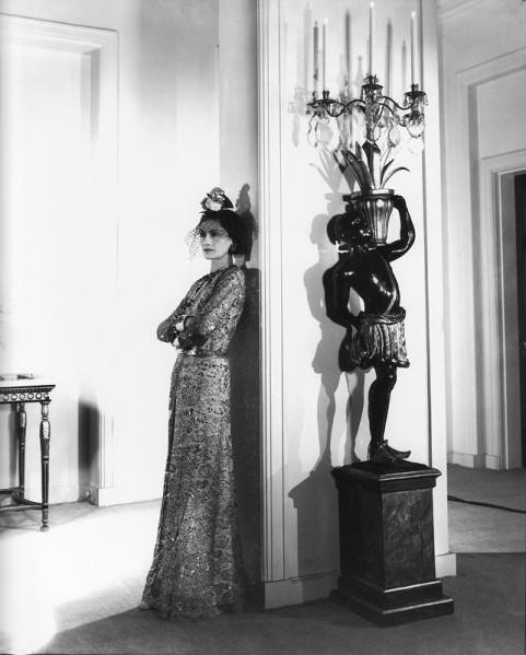 Cecil Beaton. Coco Chanel. 1937. Cecil Beaton Studio Archive. Sotheby's. Londres.