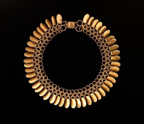 Chanel. Gangantilla. 1954-1959. Metropolitan Museum. Nueva York.