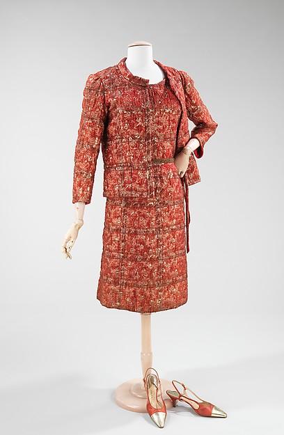 Chanel. Traje de chaqueta. Seda, metal. Hacia 1962. Metropolitan Museum. Nueva York.
