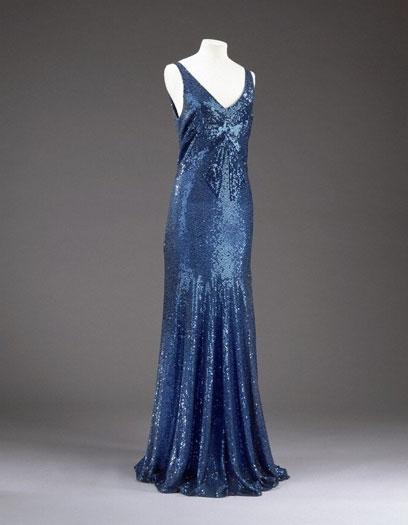 Chanel. Vestido de noche. Hacia 1932. Museo Victoria y Alberto. Londres