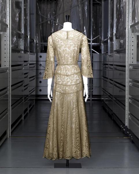 Chanel. Vestido de noche. Hacia 1928. Palacio Galliera. Museo de la Moda de la Villa de París.