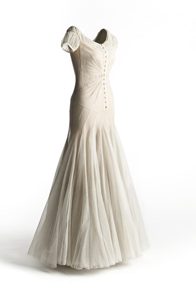 Chanel. Vestido de noche. Hacia 1939. Museo del Traje.  Madrid.