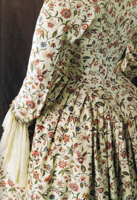 Vestido a la francesa confeccionado con toile de jouy. Siglo XVIII