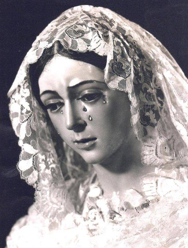 Anónimo. María Santísima de la Esperanza Macarena. Siglo XVII. Basílica de Santa María de la Esperanza Macarena. Sevilla.