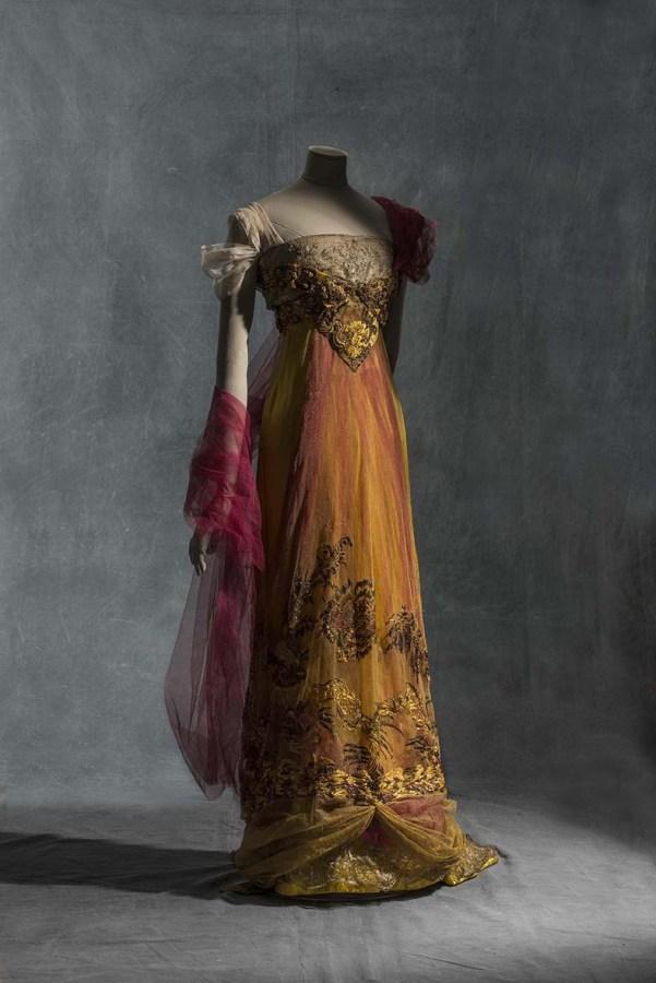 Hermanas Calot. Vestido de noche. 1909-1913. Tul de seda. Colección UFAC. Colección UFAC. © Les Arts Decorativs, Paris/photo: Jean Tholance..