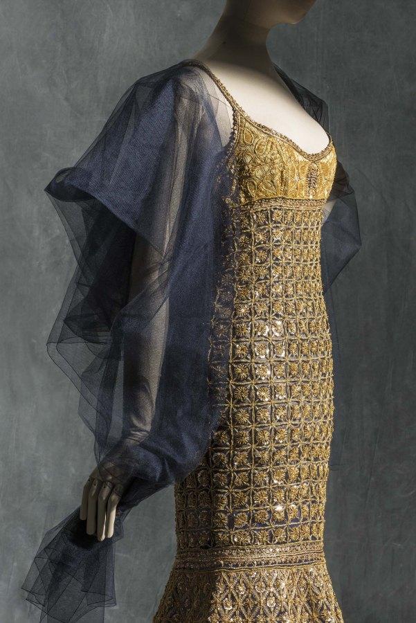 Karl Lagerfeld para Chanel. Traje de noche. Alta Costura, primavera-verano 1996. Tul y organza de seda bordada por Lesage. © Les Arts Decorativs, Paris/photo: Jean Tholance.