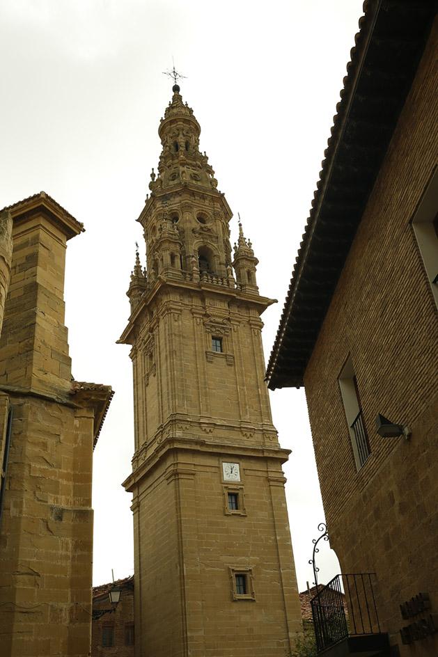 Martín y Manuel de Beratúa. Cuerpo de campanas y remate de la torre. 1764-1765.