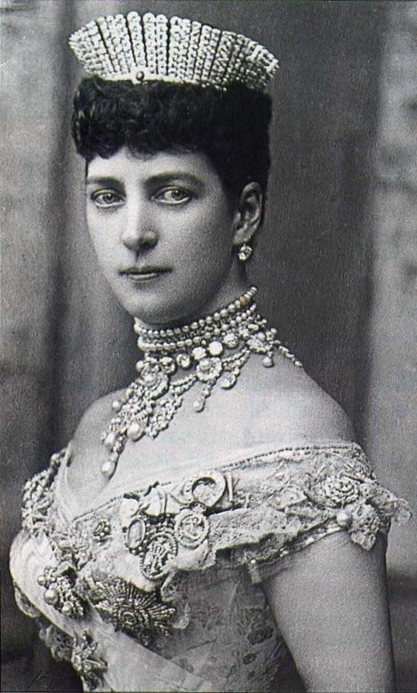 La reina Alejandra.