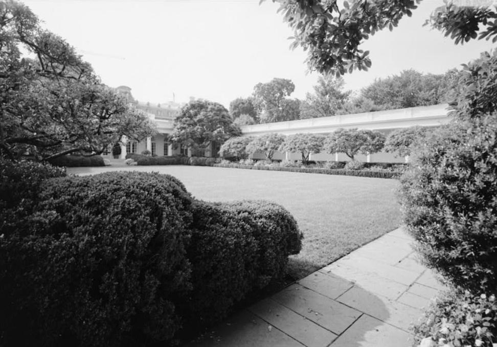 Rosaleda de la Casa Blanca según diseño de Rachel L Mellon.