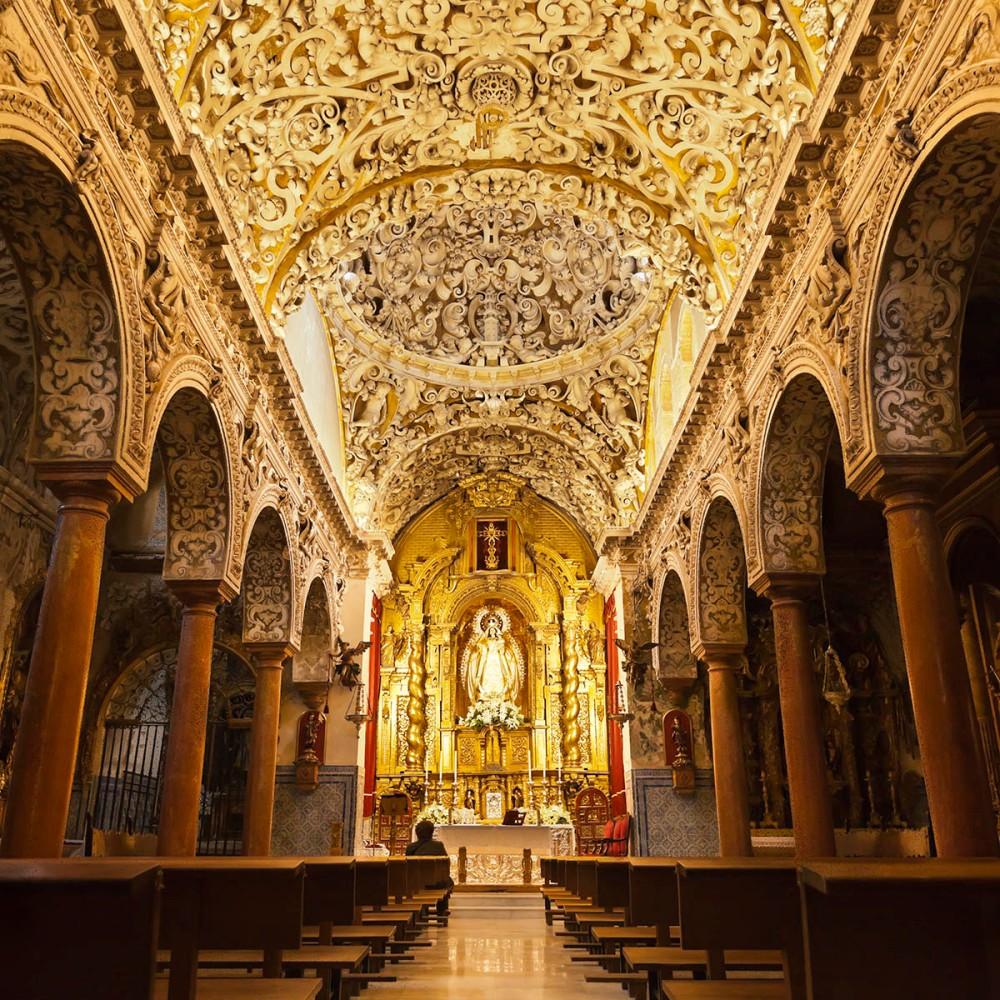 Interior de la iglesia de Santa María la Blanca. Sevilla.