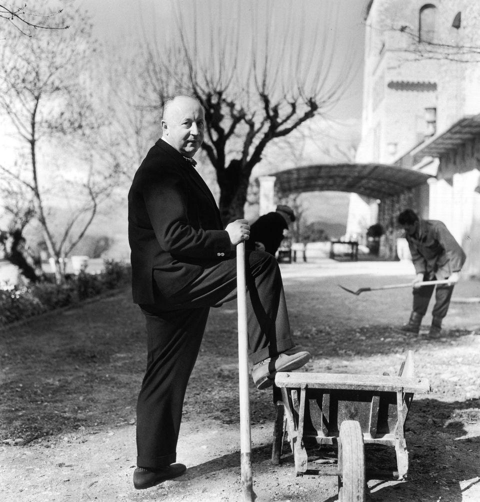 Dior como un caballero agricultor en La Colle Noire, su casa en Montauroux. © Lord Snowdon : Camera Press : Gamma