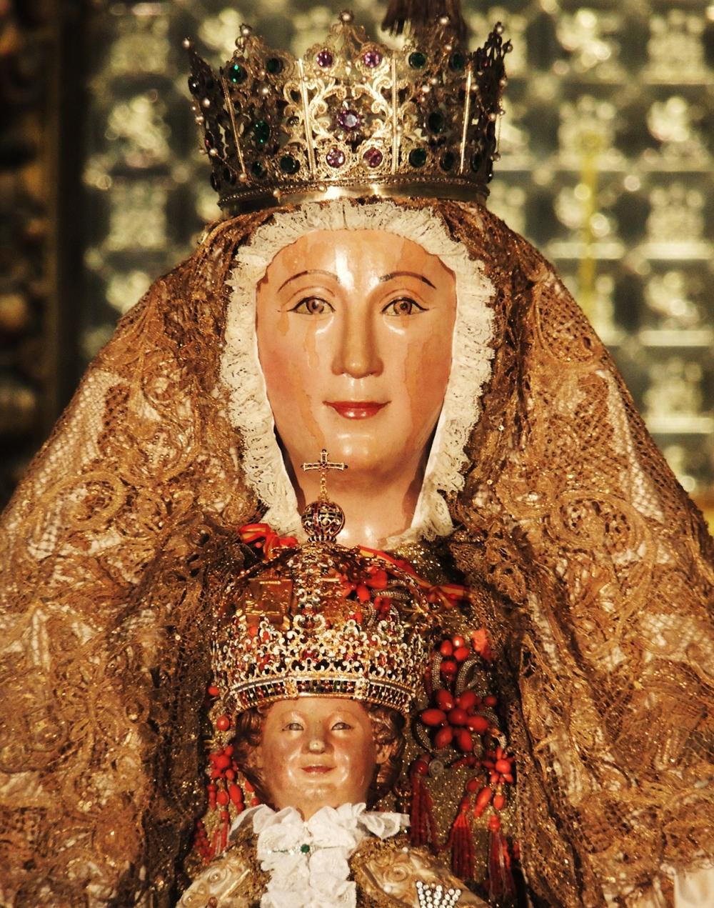Anónimo. Virgen de los reyes. Siglo XIII. Catedral de Sevilla.