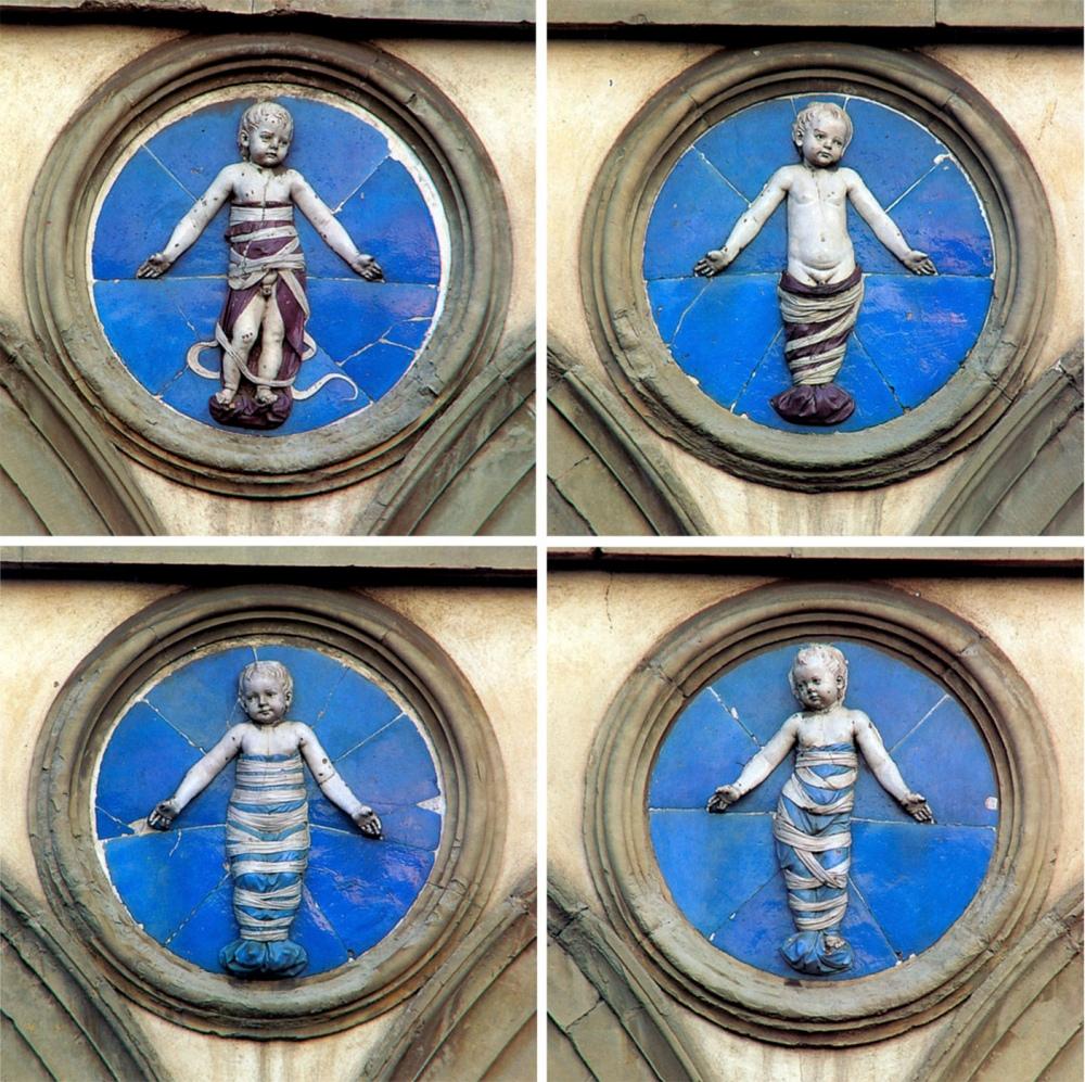 Della Robbia. Niños fajados.1487 Hospital del los Inocentes. Florencia