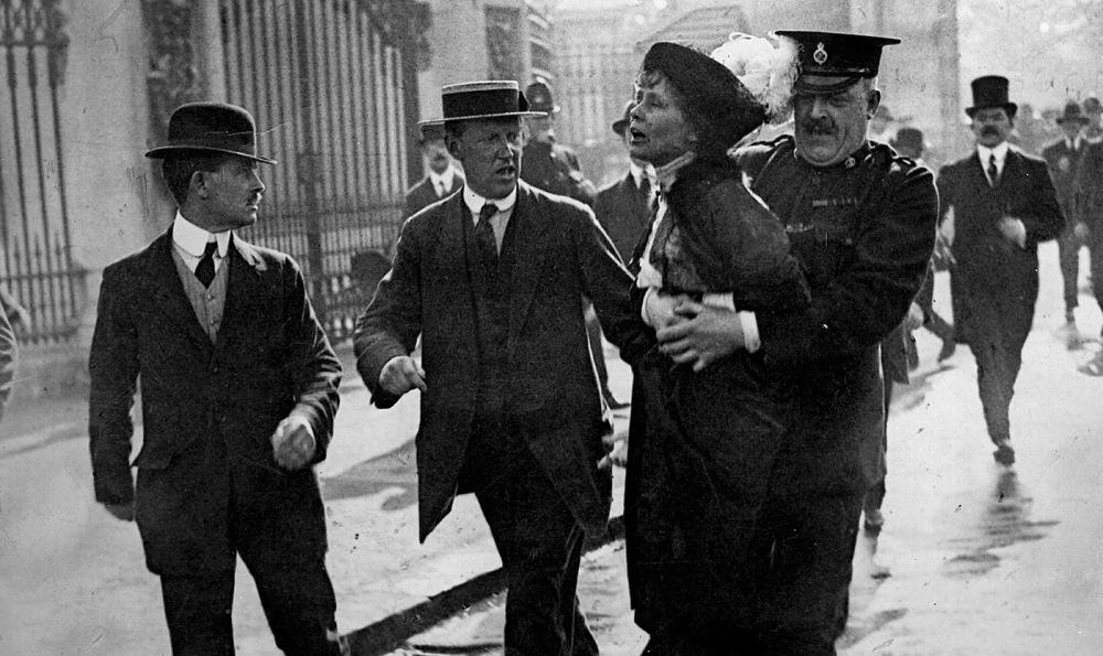 Sylvia Pankhurst detenida.