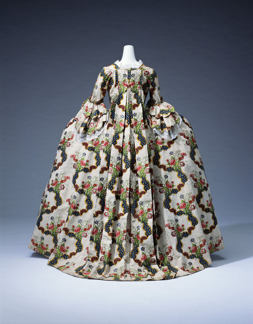 "Vestido ""a la francesa"". 1775. The Kyoto Costume Institute."