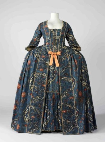 Vestido con tontillo. Francia. Hacia 1760. Museo del Diseño. Barcelona.