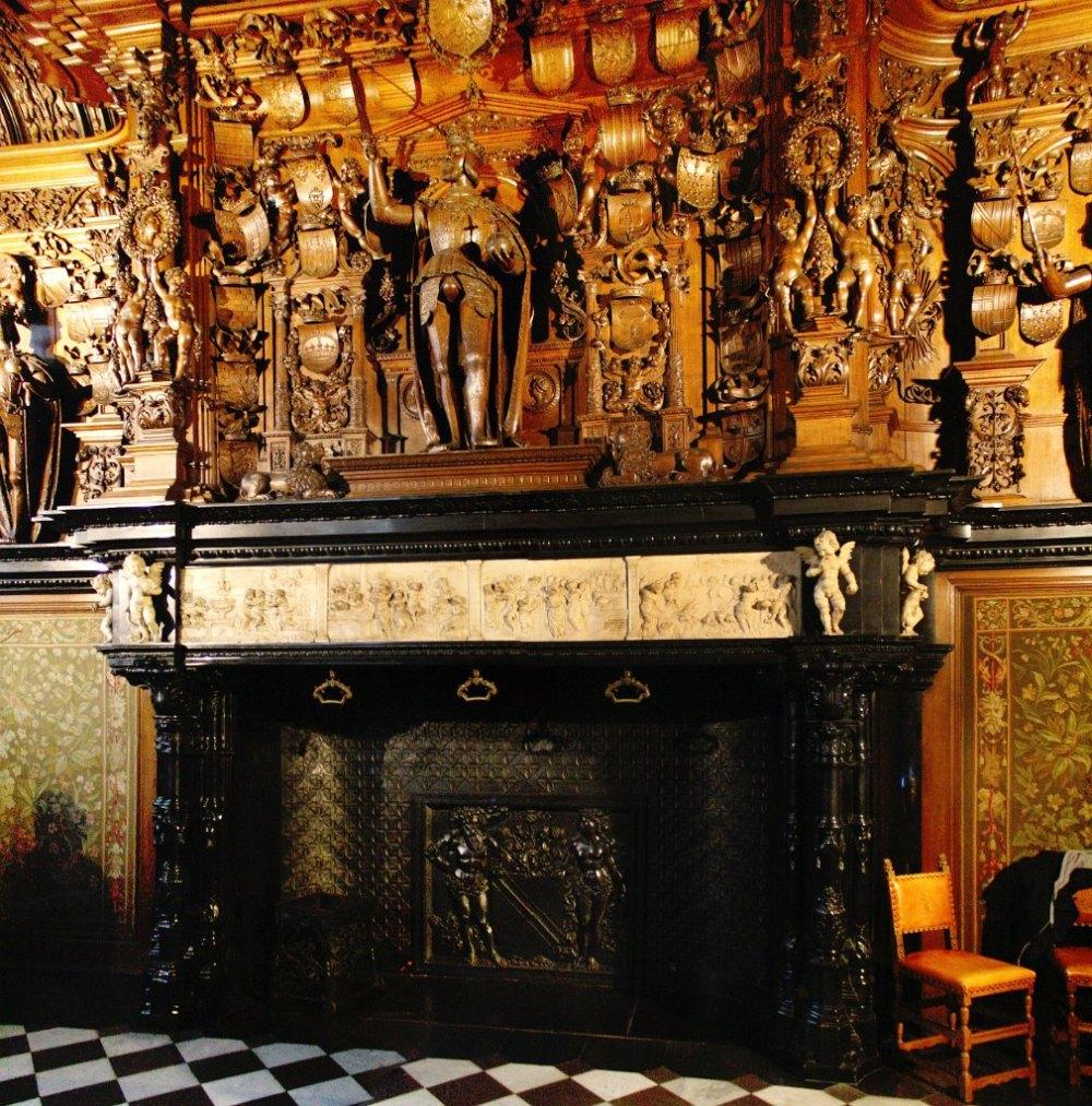 Lancelot Blondeel. Chimenea. Palacio Franc de Bruges. 1528. Brujas.