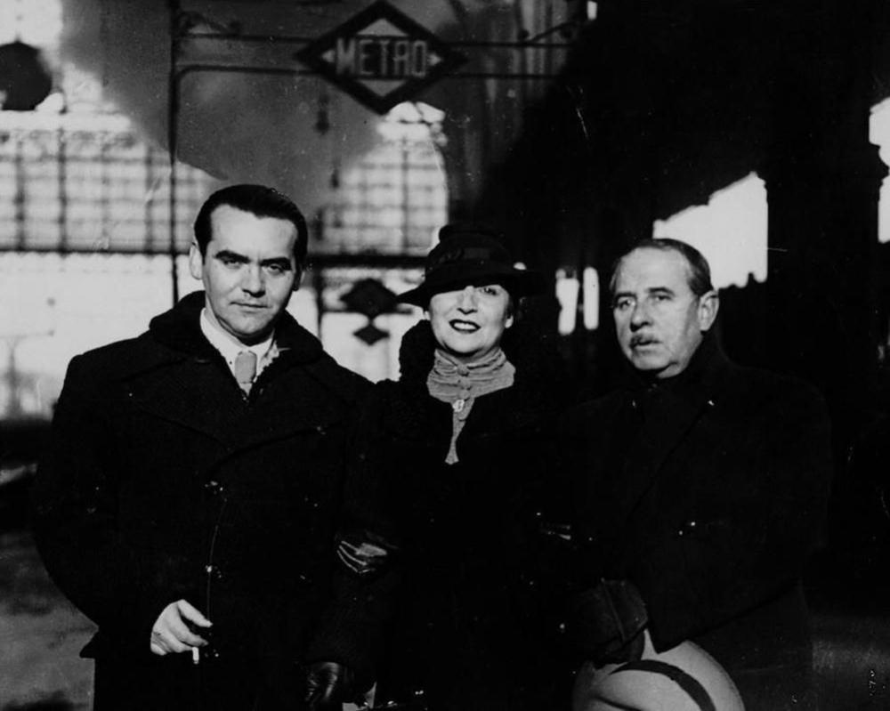 Lorca con Lola Membrives y Eduardo Marquina. 1934.