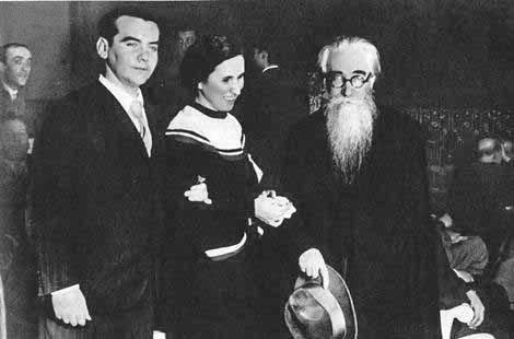 Lorca, Pura Maortua de Ucelay y Valle-Inclán en el preestreno de Yerma. Madrid. 1934.